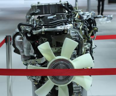 Двигатель 4HK1-TC автомобильный (с навесным)