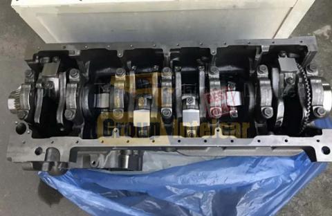 Экскаватор Komatsu двигатель