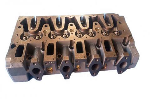 Головка блока цилиндров двигателя Deutz TCD 2012 L04